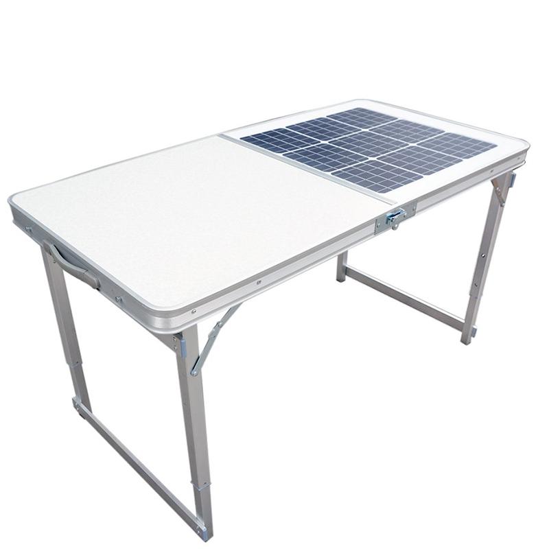 Table solaire pliante portative pour le chargement pour le camping en plein air Table pliante de travail au dessus