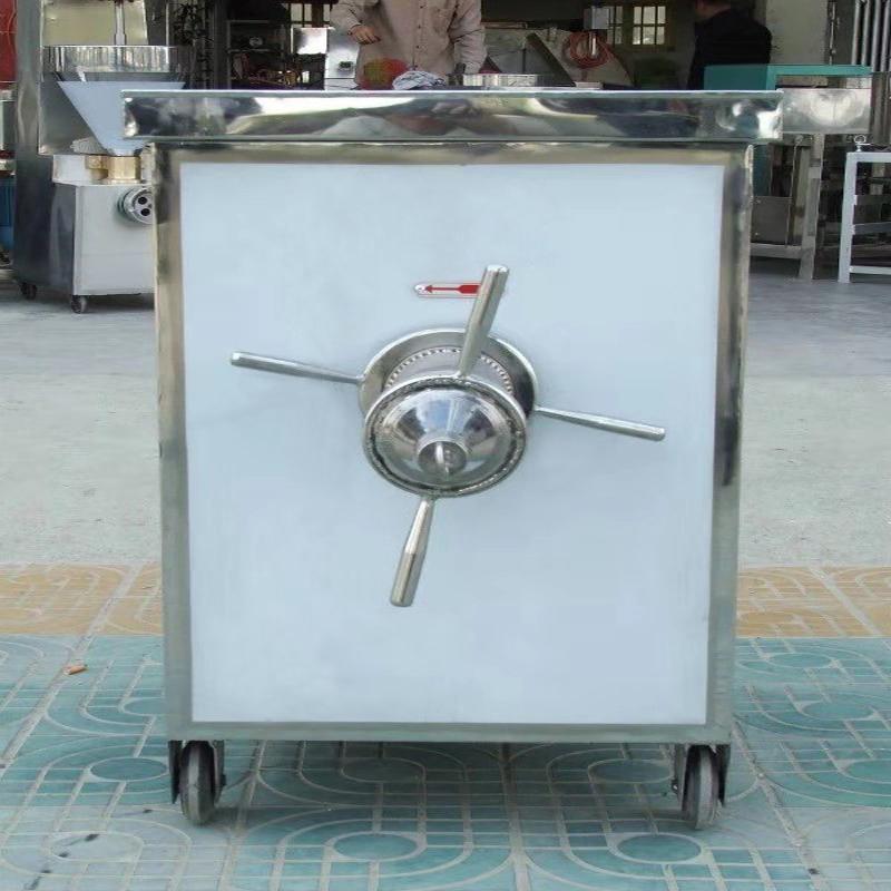 La machine de retrait des os de poisson permet aux mangeurs de poisson de gagner du temps