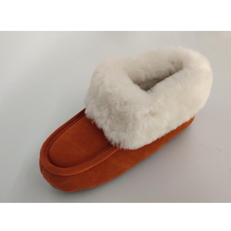 pantoufles en peau de mouton